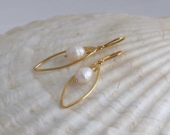 Gold Vermeil PEARL  Dangle Artisan Earrings // Natural Gems // luluglitterbug