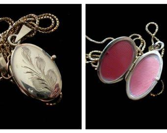 Vintage 14k Gold Etched Locket Necklace