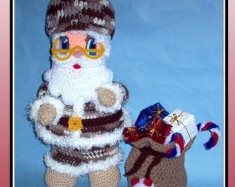 Soldier Santa Crochet Pattern, crochet santa doll, crochet soldier doll, crochet Christmas