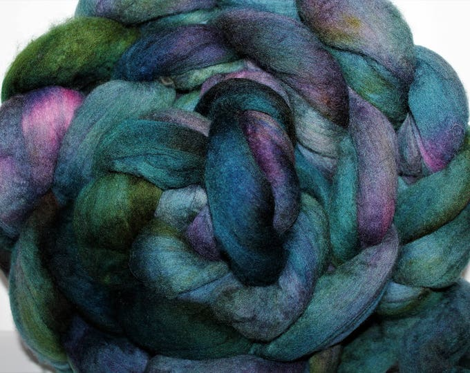 Kettle Dyed Merino Wool Top. Super fine. 19 micron  Soft and easy to spin. Huge 1lb Braid. Spin. Felt. Roving. M301