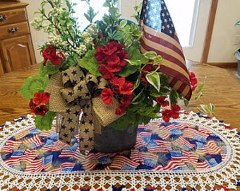 4th of July Table Runner Crochet Patriotic Memorial Day Handmade Oval Table Topper Table Cloth Crocheted Edge Best Doilies Flags Gift