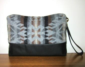Wrist Bag Clutch Purse Blanket Weight Wool from Pendleton Oregon Black Leather Removable Strap
