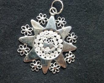 Presentosa - silver filigree pendant