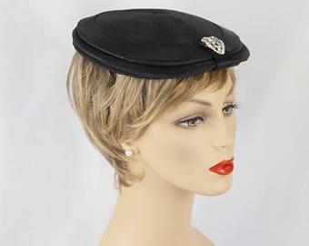 Vintage 1950s Hat Black Straw Rhinestone Beret with Satin Trim