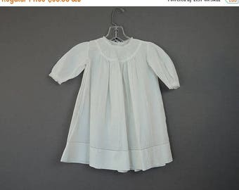 20% Sale - Vintage Child's Dress with Embroidered Daisies, early 1900s, 24 inch chest, Antique Edwardian