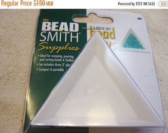 ON SALE Beadsmith Three Piece Set Triangle Tri-Trays for Sorting Scooping Pouring Beads and Findings