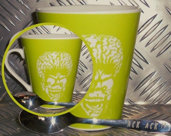 Mars attacks mug