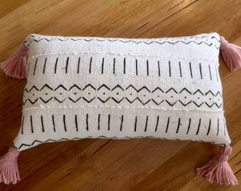 "African Mudcloth  pillow cushion cover 60cmx35cm ( 24""x14"") white with black tribal pattern"