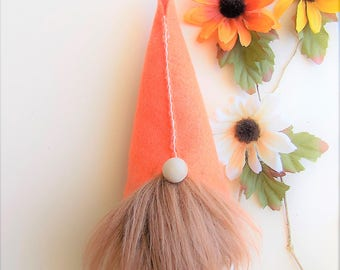 Mini gnome in fall colors, wool felt, Scandinavian gnome, Nordic gnome, Swedish gnome, forest gnome, wool felt, faux fur