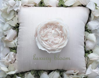 Cashmere Luxury Bloom Collection - Pink Bourbon Style Rose Pin - specimen 2