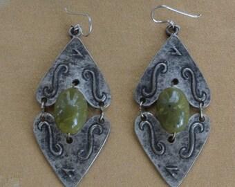 On sale Pretty Vintage Large Olive Green, Darkened Silver tone Pierced Earrings (X17)