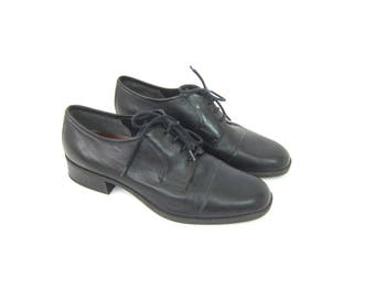 Black leather oxfords Chunky lace up librarian shoes Preppy Heel Work Shoes 1990s Tie Shoes GH Bass Women's Size 7.5 W