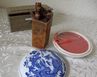 christmasinjuly Chinese Chop, Red Ink in Round Porcelain Container