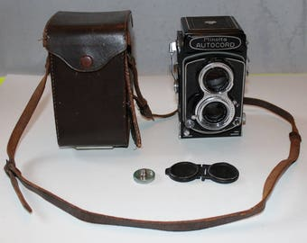 Vintage Minolta Autocord with Twin Lenses in Leather Case
