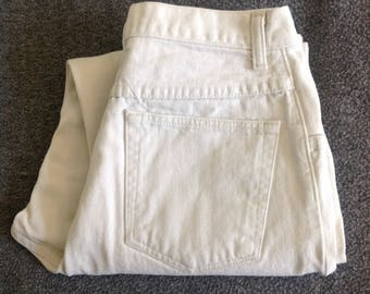 Vintage 1980s WRANGLER high waisted mom jeans size 12x29.  30 inch waist.  Tapered leg