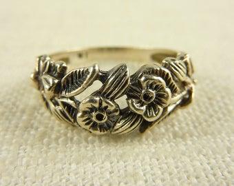Size 7 Vintage Sterling Flower Vine Ring