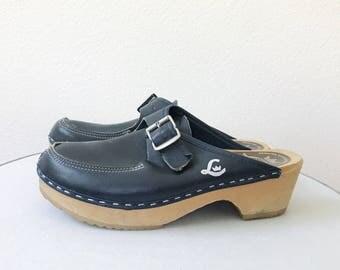 vintage clogs / wooden clogs / Swedish clogs