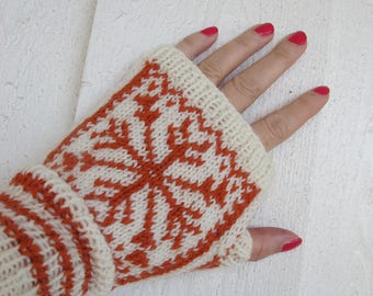 Fingerless mittens with tumb - offwhite and orange