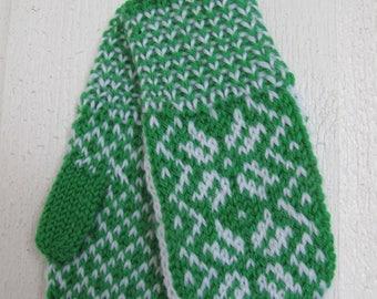 Handknitted norwegian mittens for children in green and white