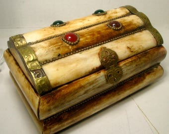 Vintage Brass and OxBone Box, Agate Stone Jewels on Top, 1970s Tribal Style Hinged Embellished Stash