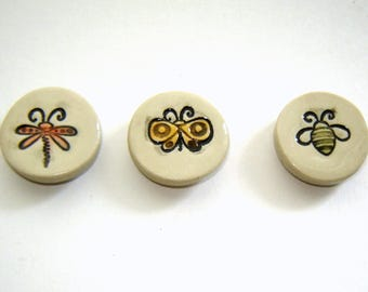 Bug Magnet Set – Set of three – Dragonfly – Bee – Butterfly – Three bugs – ceramic decorations – refrigerator magnets - handmade