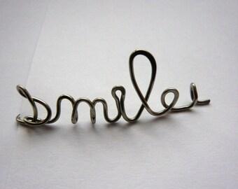 Brooch Smile Sissi steel strand