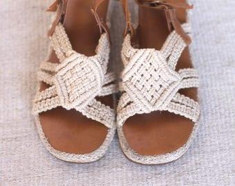 in knots -- vintage crochet macrame sandals size 8.5