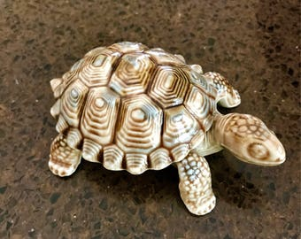 Vintage Wade English Porcelain Turtle Tortoise Trinket Box