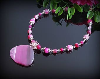 Pink Crystals Necklace for Women Gift for Mother Gemstone Statement Necklace for women Wife Christmas Gift Magenta Agate Pendant Necklace