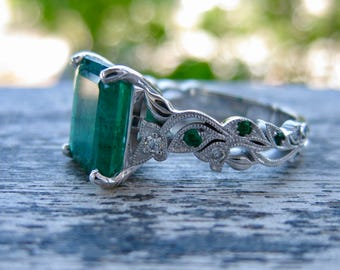 Impressive Emerald Engagement Ring in 14K White Gold with Diamonds and Emeralds in Flower Blossoms and Leafs on Vine Size 5
