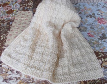 Hand Knit Baby Blanket, Chunky Knit Afghan, Baby Shower Gift, Toddler Kids Throw, Thick Blanket, Gender Neutral Ivory Cream, Boy or Girl