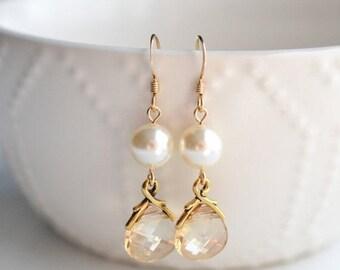 ON SALE Bridesmaid Jewelry Set of 5 Crystal and Pearl Wedding Earrings Savannah Gold
