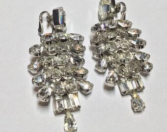 Vintage Earrings Chandelier Rhinestone Articulated Clip on