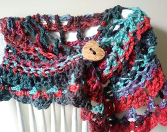 Freeform Crochet Cowl with heart coconut fiber button