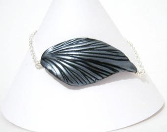 Leaf and Chain Bracelet - Black and Silver - Silver Plated Findings - Colorful Vibrant Fashion - Adjustable Length