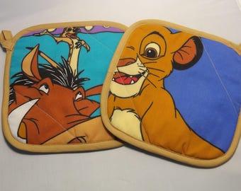 Lion King   Pot Holders -Set of 2      Disney  Nala  Simba   Pumbaa  Timon