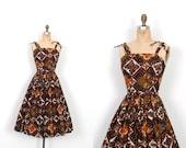 Vintage 1950s Dress / 50s Batik Printed Cotton Sundress / Black and Green ( XS extra small )