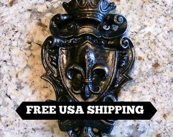Shield Wall Plaque | Fleur De Lis | Medieval | Old World | Tuscan | Crown | Royal | King | Queen | Free Shipping | Fleurdelisjunkie