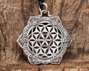 White brass pendant, Flower of Life Mandala White Brass necklace, Mandala pendant, Flower pendant, Flower necklace, Boho, Tribu