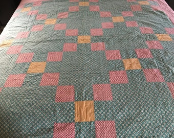 1930s 1940s QUILT in pink lattice + aqua small print + Northcott FRECKLES fabric to bind