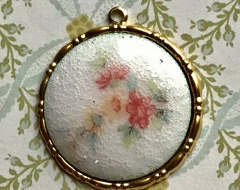 Shabby chic pendant, enameled heart,Vintage Heart Pendant, Guilloche heart,Enamel charm,hand painted rose,Victorian ,Rose NOS charm. #G22J