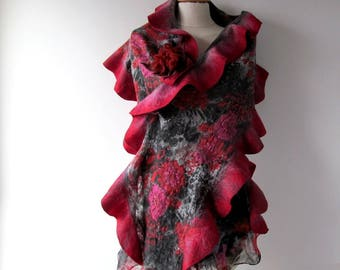 Grey Felted scarf,  Floral felt scarf,  Ruffle scarf  Wool  Floral wool stole , Red Pink flower, Folk women felt shawl outdoors gift