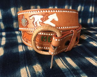 """39-44"""" Waist Belt / Vintage Leather Belt / Statement Belt / Tooled Leather Belt / Mexico Novelty belt / Cowboy Belt / Horse Cactus Print"""