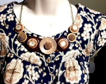 Bold and Beautiful button necklace