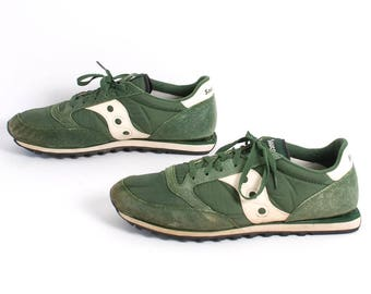 SIZE 13 men's vintage RUNNING athletic forest green & white SAUCONY sportswear shoes joggers