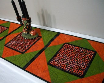 Halloween Table Runner Quilted FREE US Shipping Quiltsy Handmade Black Orange Green