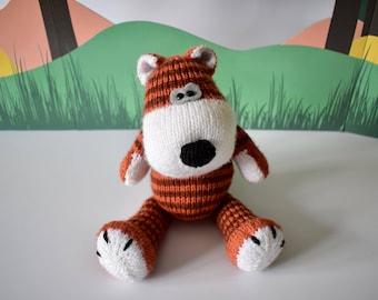 Carlton the Tiger toy knitting pattern
