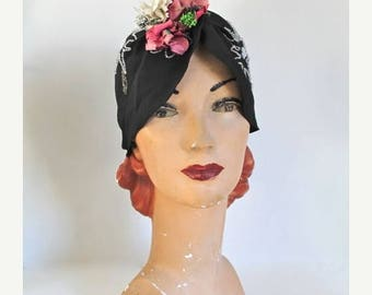 AWAY SALE 20% off vintage 1920s cloche hat - CORSAGE black beaded turban hat