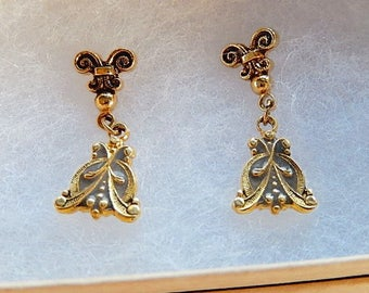 Floral Earrings, Small Dangly Earrings, Dainty Earrings, Vintage Earrings, Gift for Her,