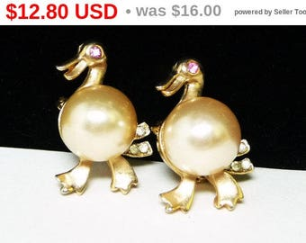 Spring Fling Sale Vintage Duck Scatter Pins - Pair of Matching Petite Bird Pins - Vintage Feather Fowl Friends with Faux Pearl Bead Belly